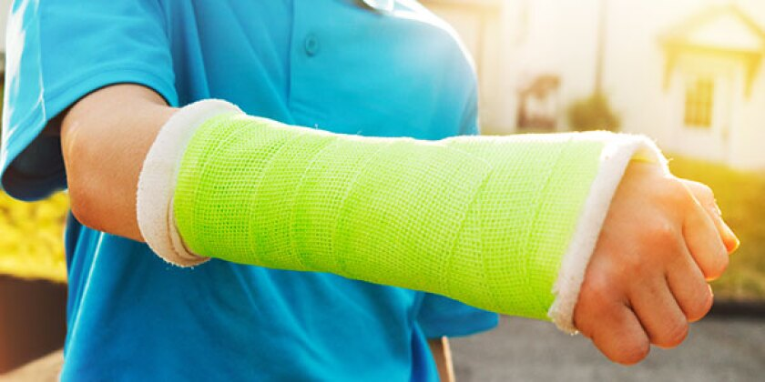 young-boy-with-broken-wrist-600x300.jpg