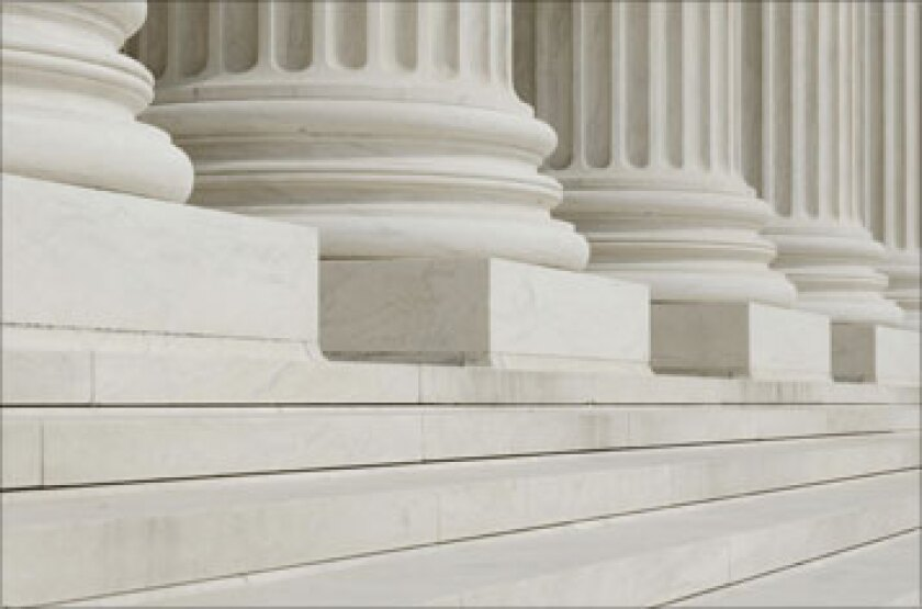 court-steps-fotolia.jpg
