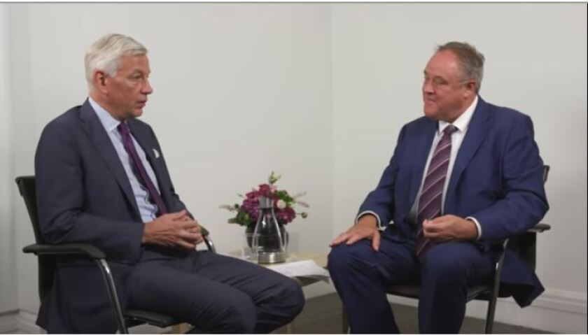 International Integrated Reporting Council chair Dominic Barton (left) with IIRC CEO Richard Howitt