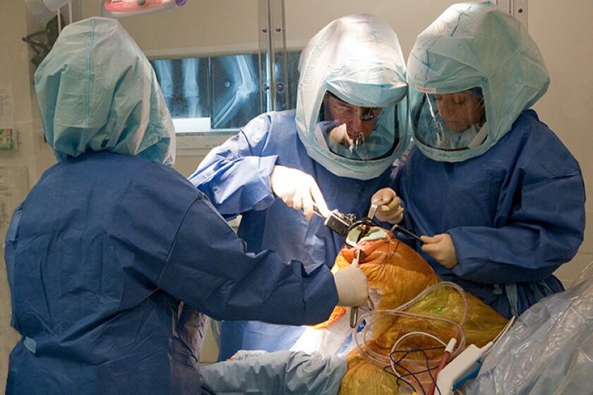 Knee-replacement-surgery-CROP.jpg