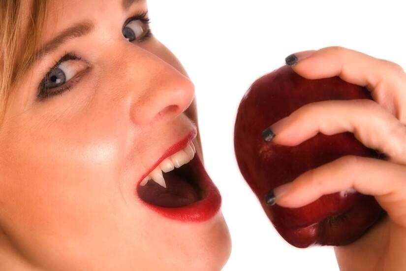 Vampire.Apple.Fotolia.jpg
