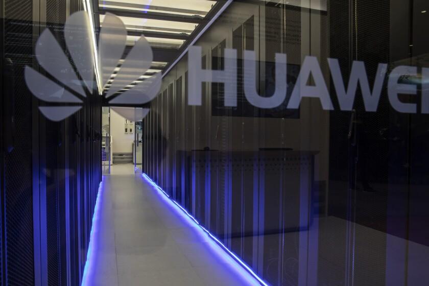 Huawei three.jpg