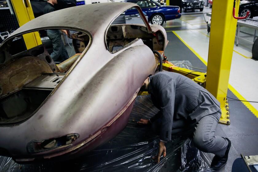 car repairs1-bloomberg.jpg