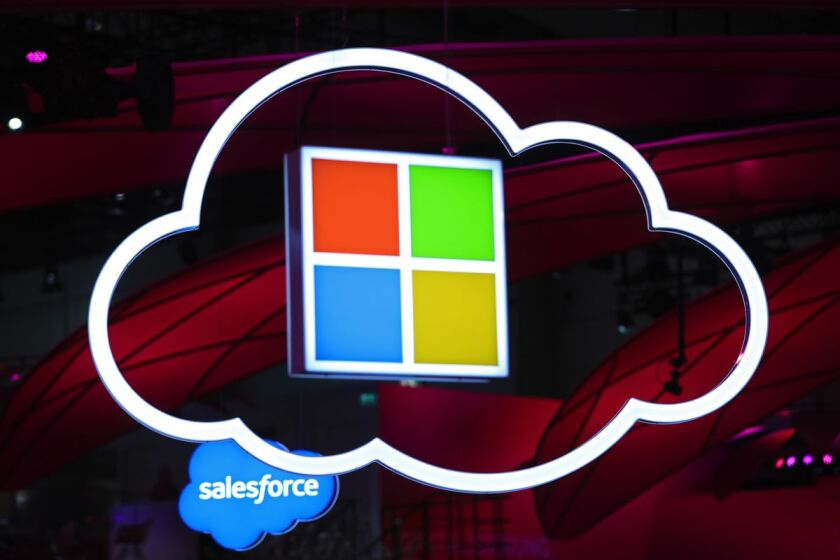 Microsoft Plans Its First Cloud-Data Centers in Middle East