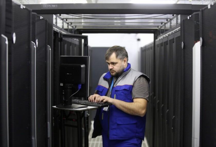 tech worker cloud.jpg