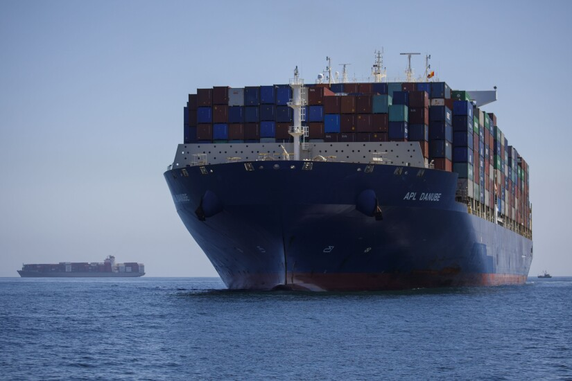 Container ship coming into Los Angeles port