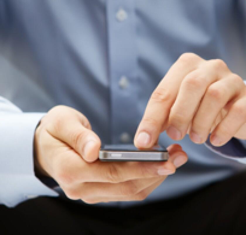 smartphonehands-fo-card.jpg