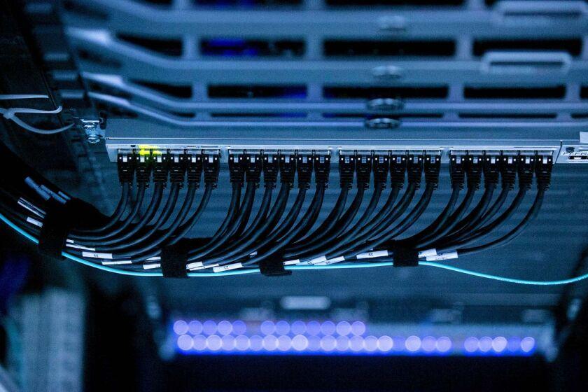 1477424080_data-server-internet