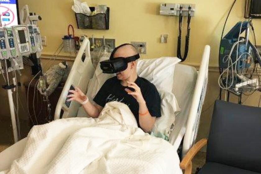 Virtual reality 2 resized (3)-CROP.jpg