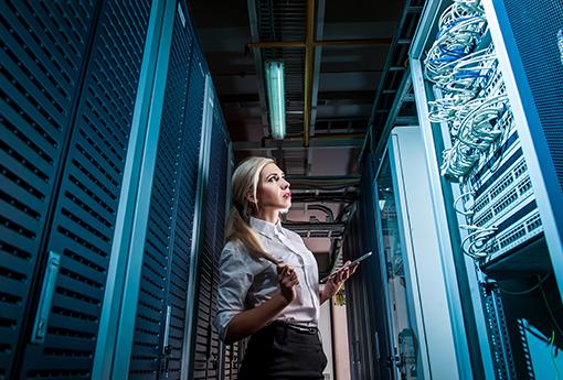 Data-warehouse-engineer.png