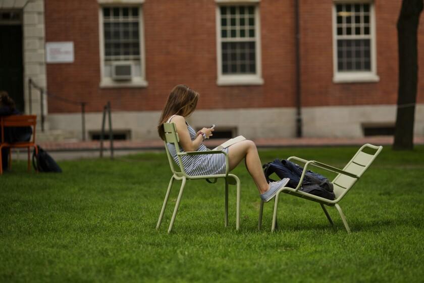 CollegeStudentonCampus-bloomberg.jpg
