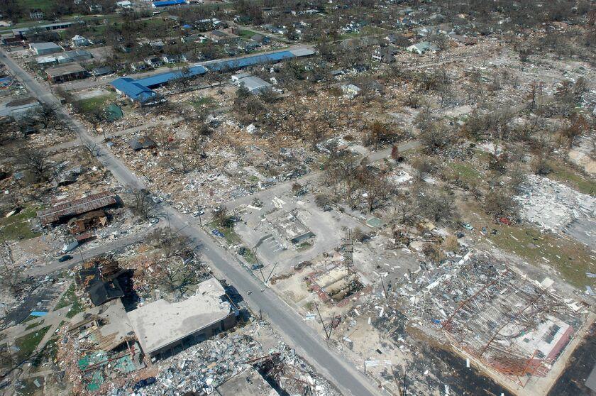 1280px-Hurricane_katrina_damage_gulfport_mississippi.jpg