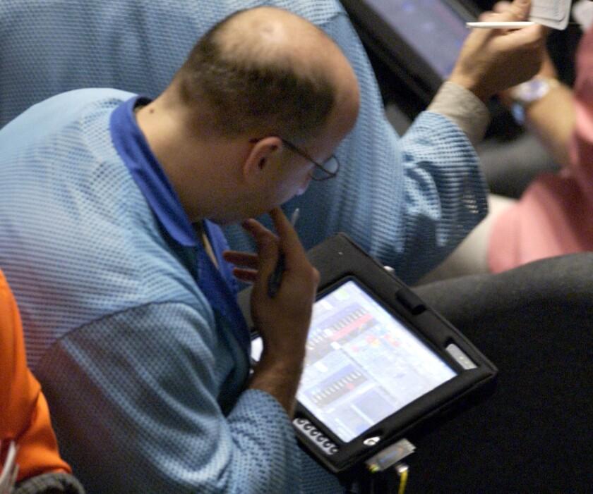 Bond_Trader_Bloomberg.jpg