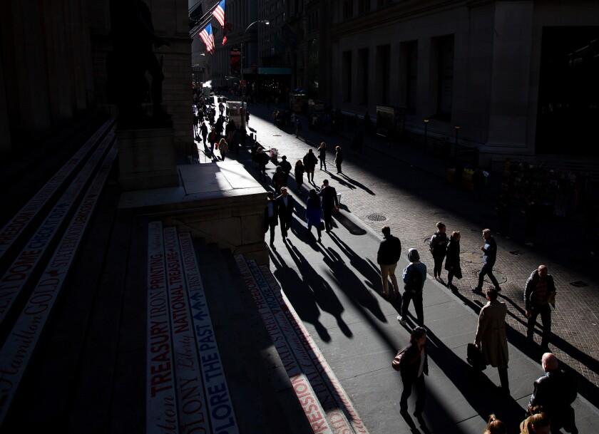 workers.walking.NYC.Bloomberg.jpg