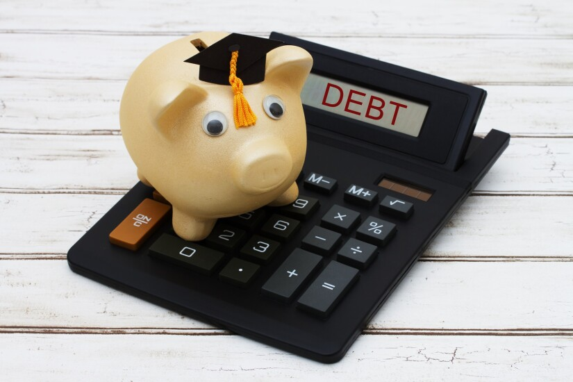 PiggyBank.Calculator.Fotolia.jpg