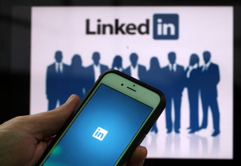 LinkedIn.SocialMedia.Bloomberg.jpg