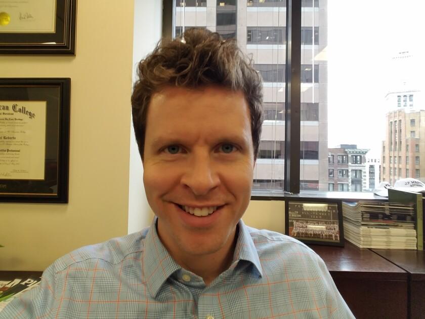 Joel Robert 0519