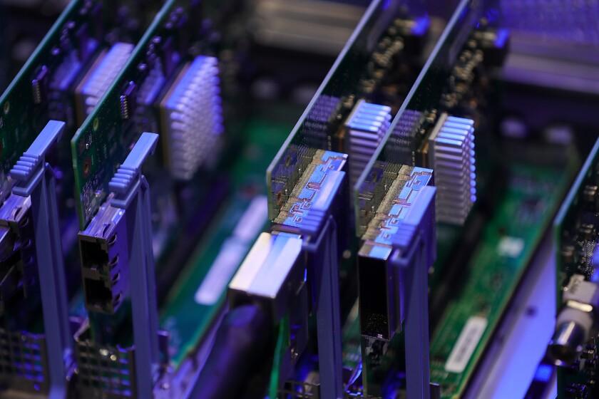 di-server-stock-110118.jpg