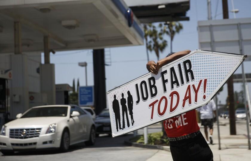 JobFair3.Bloomberg.jpg