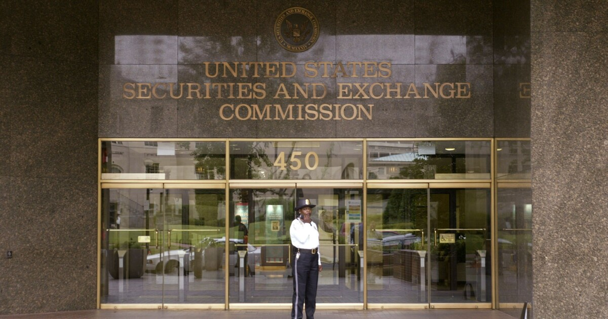 SEC rule would create distinct but 'comparable' regimes for RIAs and broker-dealers