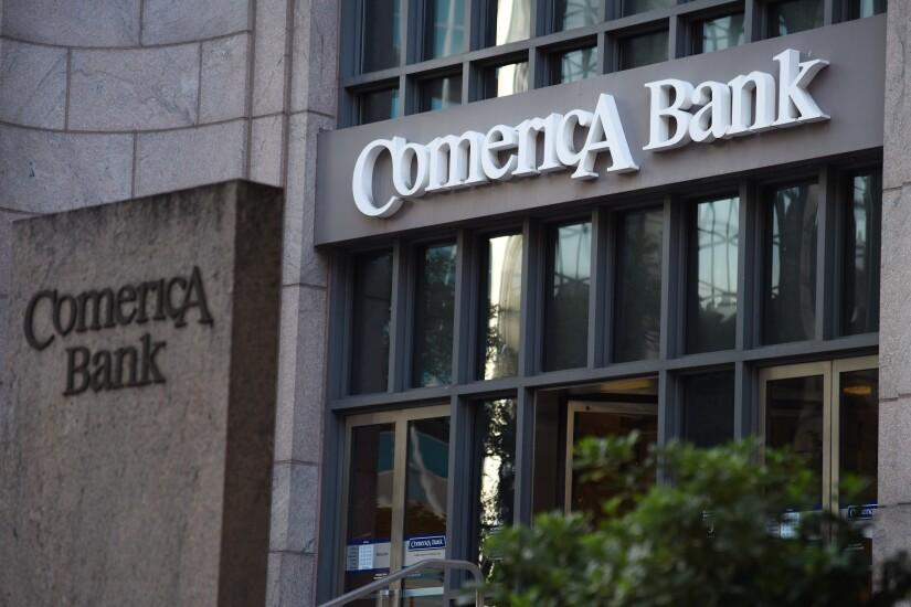 Comercia.Bank.Bloomberg.jpg