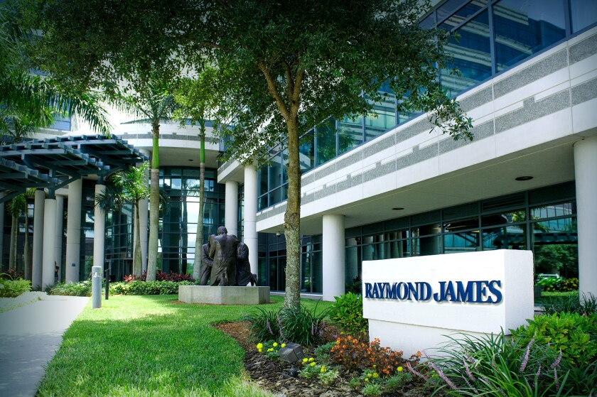 Raymond James advisors fire back at 'baseless' JPMorgan
