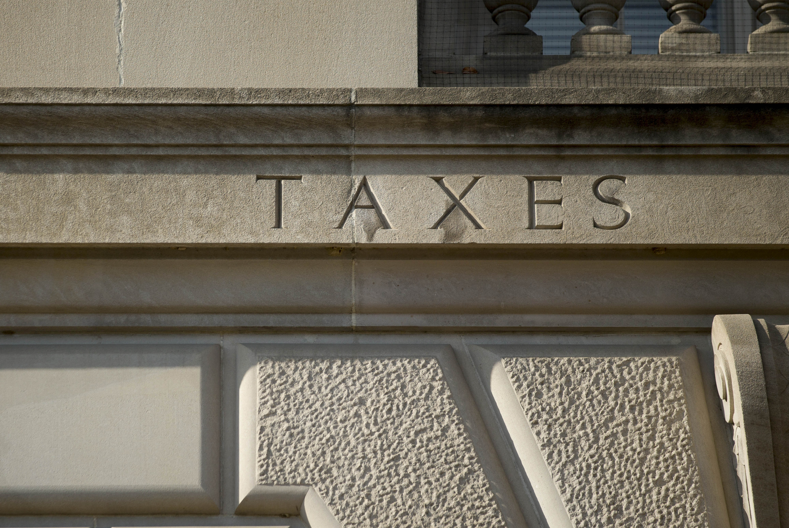 Conflicting 1099-B tax forms create 'nightmares' for some